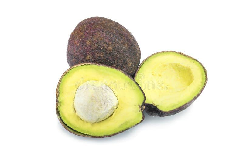 Sterta pokrojeni Hass avocados odizolowywający na bielu fotografia royalty free