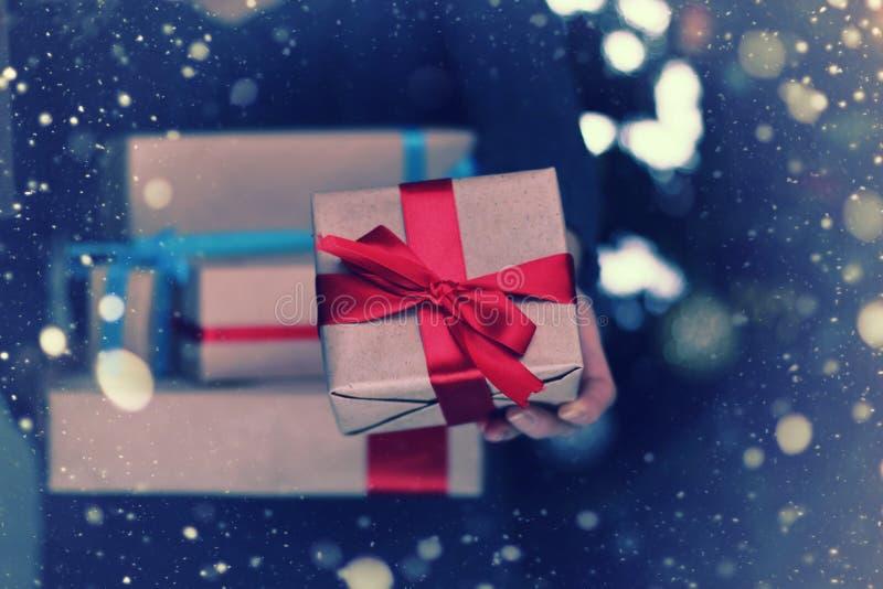 Sterta prezenty dla Bożenarodzeniowych wakacji fotografia stock