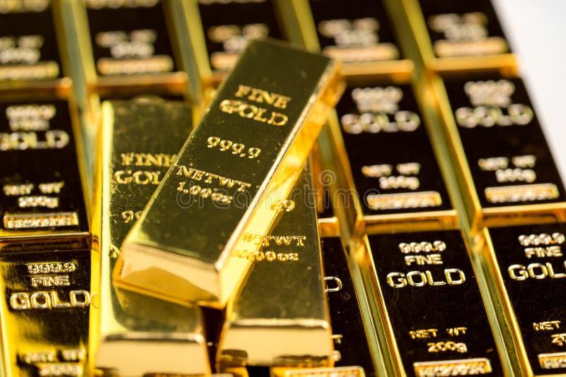 Sterta złocistego baru sztab ingot, inwestorska wartość dla kryzysu bezpieczną przystanią dla inwestycji lub rezerwa dla kraj eko obrazy stock