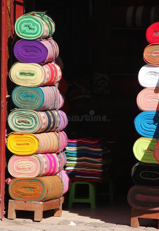 Sterty kolorowa tkanina dla sprzedaży zdjęcie royalty free