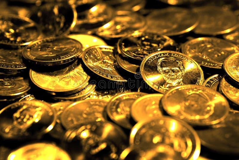 Sterty monety i pieniądze Reprezentuje bogactw bogactwa i sukces obrazy stock