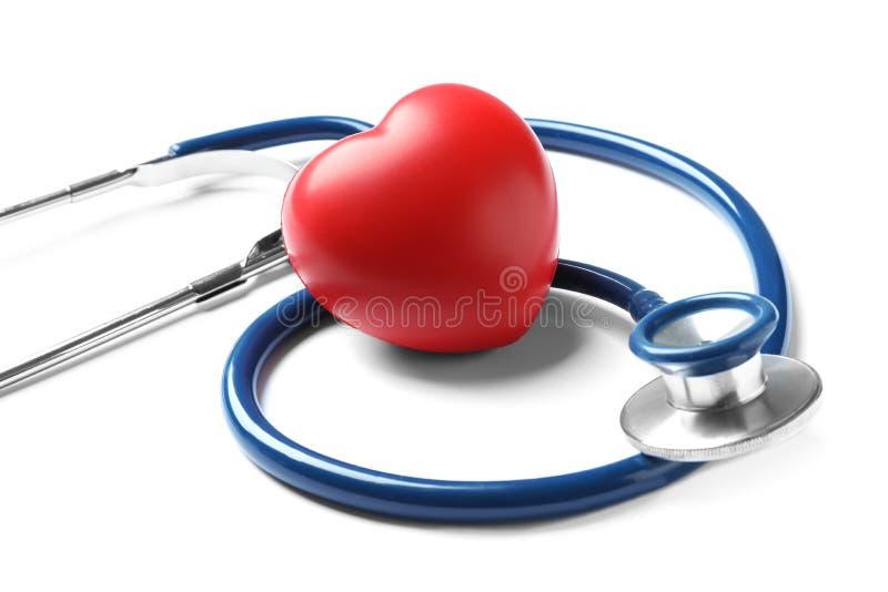 Stethoscoop voor het controleren van impuls en rood hart royalty-vrije stock fotografie