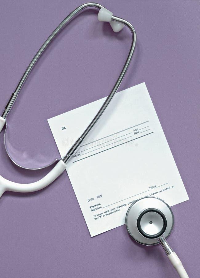 Stethoskop mit unbelegtem Index lizenzfreie stockfotos