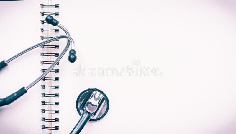 Stetoskop no caderno imagem de stock royalty free