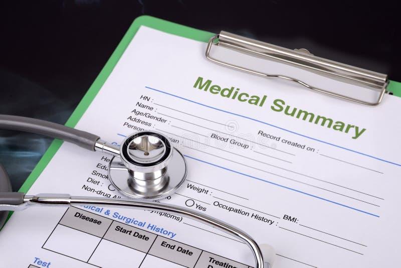 Stetoskopu i pustego miejsca książeczka zdrowia zdjęcia stock