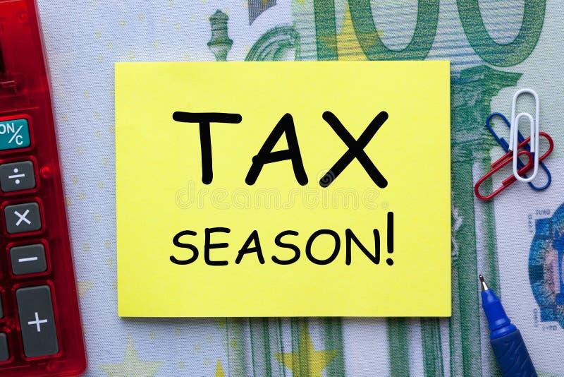 Steuer-Jahreszeit-Konzept lizenzfreie stockfotos
