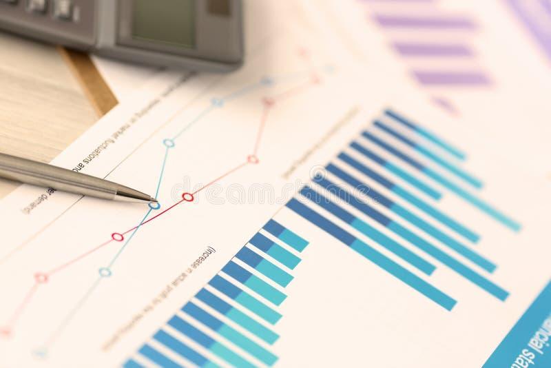 Steuerausgaben-Einkommens-Firmenkonto-Dokument lizenzfreie stockfotos