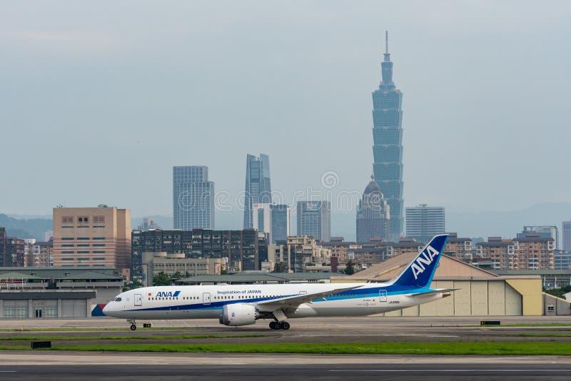 Steuerfestsetzung ANA Boeings 787-9 Dreamliner lizenzfreie stockfotografie