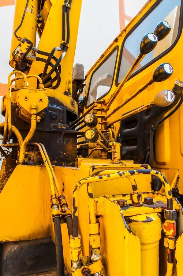 Steuern Sie hydraulischen LKW-Kran. stockfotos