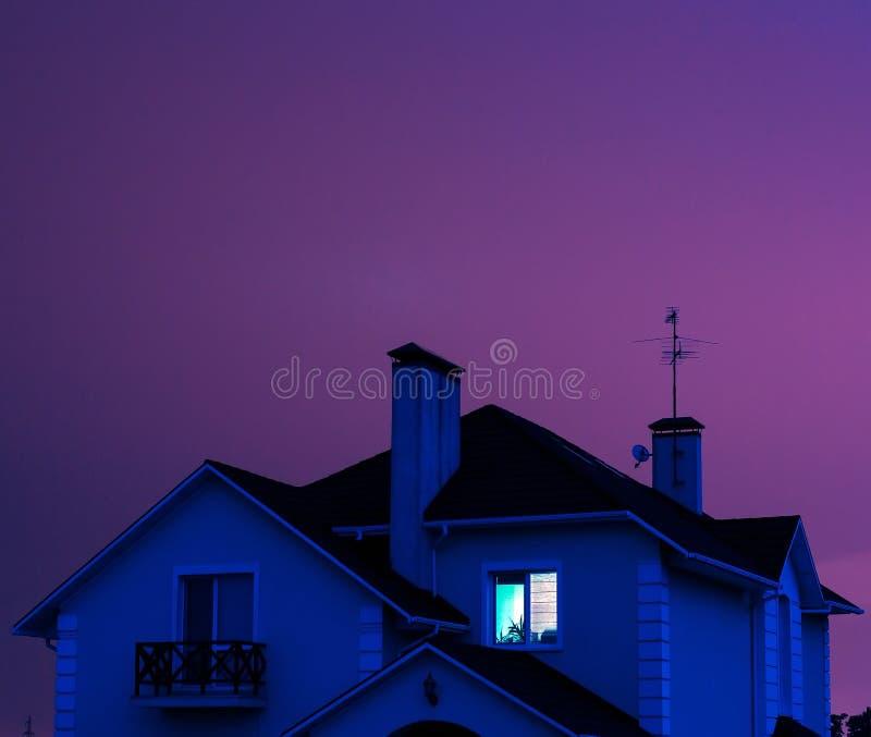 Download Steuern Sie Nachts Automatisch An Stockfoto - Bild von gebäude, außen: 26361036
