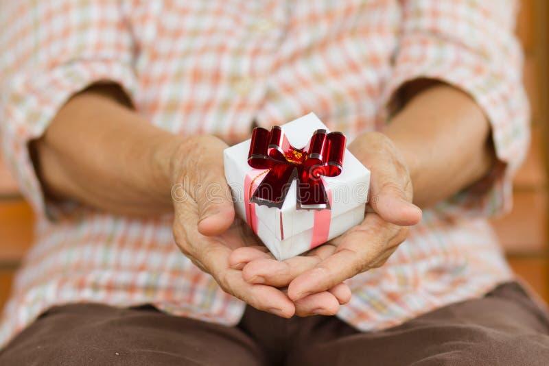 Steun, hulp, verpleeghuis of hulp voor bejaarden stock foto