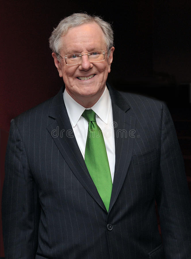 Steve Forbes, Taille hoch und Lächeln stockfotografie