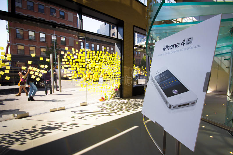 Download Steve Jobs Memorial NYC editorial photography. Image of ipad - 21485797
