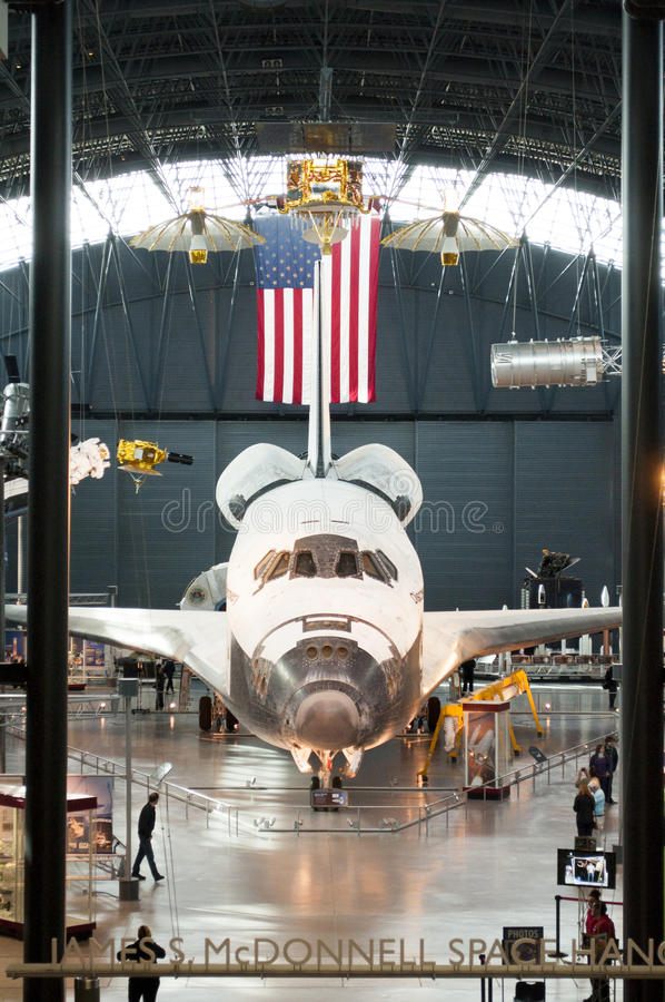Steven F. Udvar-Hazy Smithsonian National Air and Space Museum Annex. An image of the Space Shuttle Discovery at the Steven F. Udvar-Hazy Smithsonian National stock photos