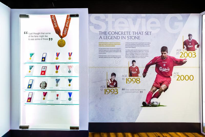 Steven Gerrard Collection i LFC-berättelsemuseum royaltyfri fotografi