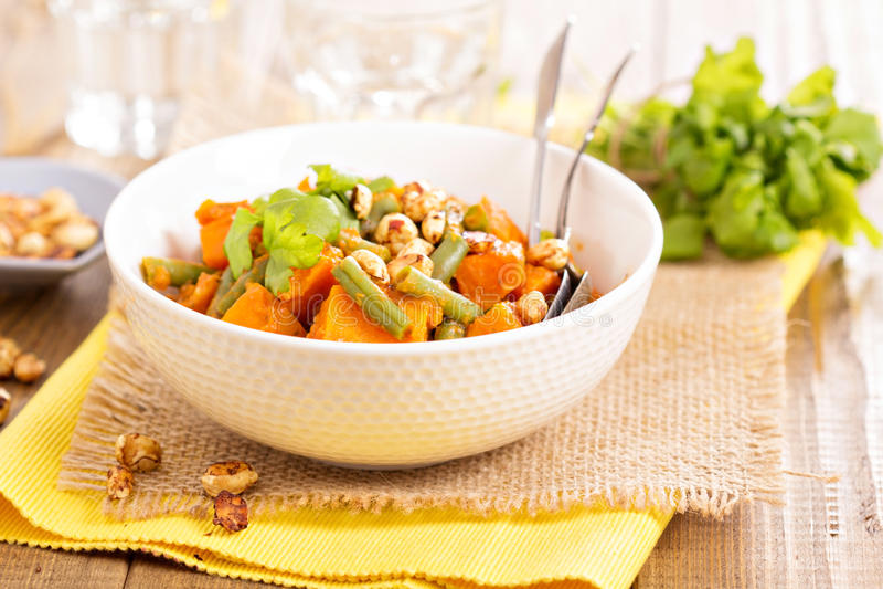Stew γλυκών πατατών με τα πράσινα φασόλια στοκ φωτογραφίες