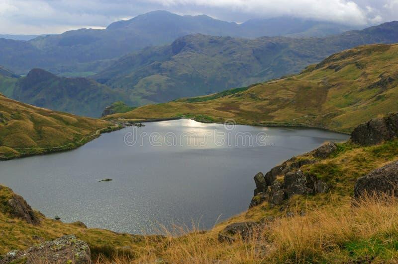 Stickle el distrito inglés Cumbria Reino Unido del lago tarn imagenes de archivo