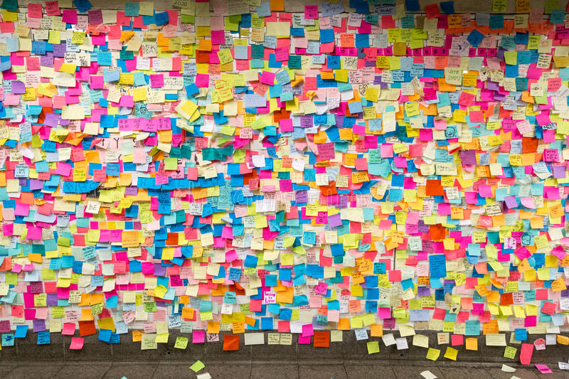 Sticky post-it notes in NYC subway station royalty free stock images