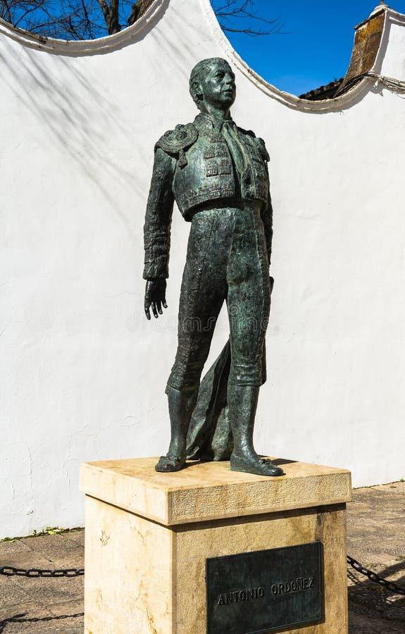 Stierenvechterstandbeeld in Ronda, Spanje stock fotografie