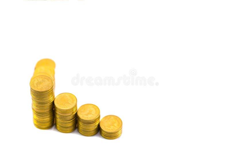 Stijgende kolommen van muntstukken, stapels van gouden die muntstukken als g worden geschikt royalty-vrije stock foto