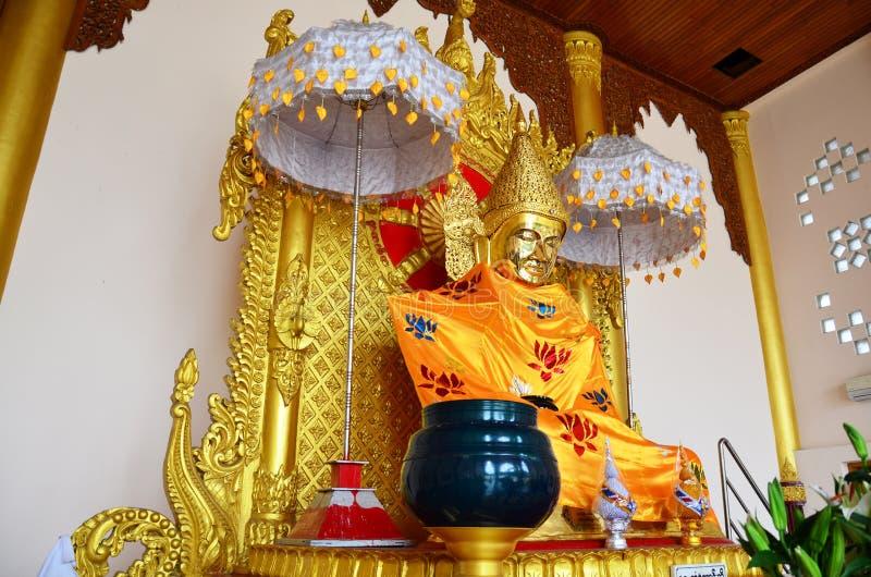 Stil för Burma för Buddhabildstaty av den Botataung pagoden arkivbild