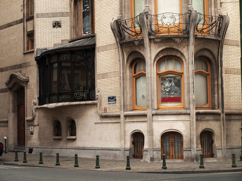 stil för nouveau för konstbrussels byggnad fotografering för bildbyråer