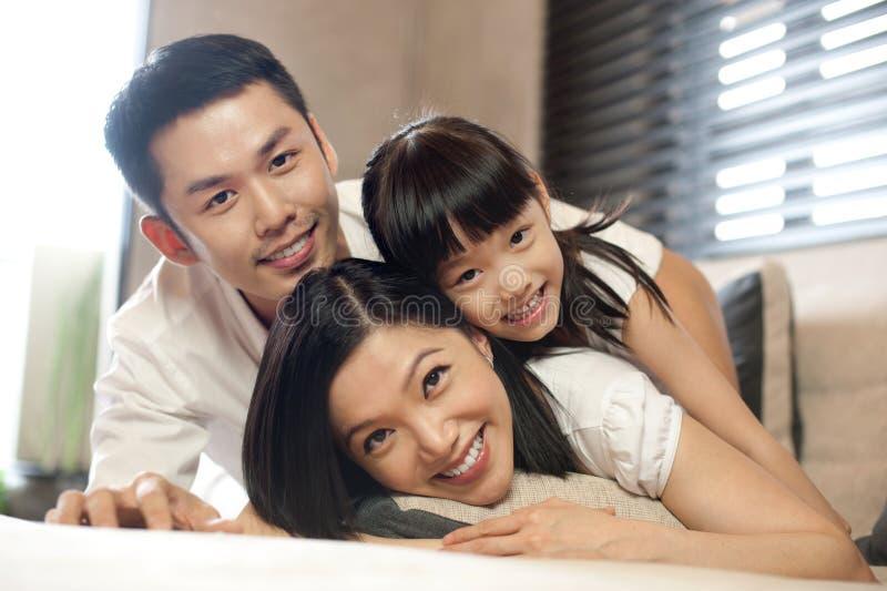 Stile di vita asiatico della famiglia fotografie stock libere da diritti