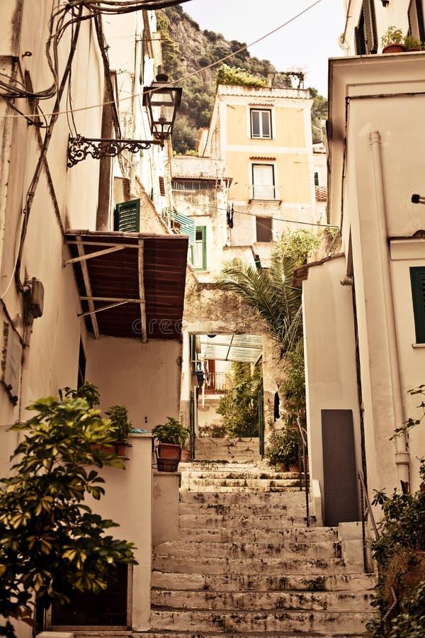 Stile di vita del cortile di Amalfi, Italia. immagine stock libera da diritti