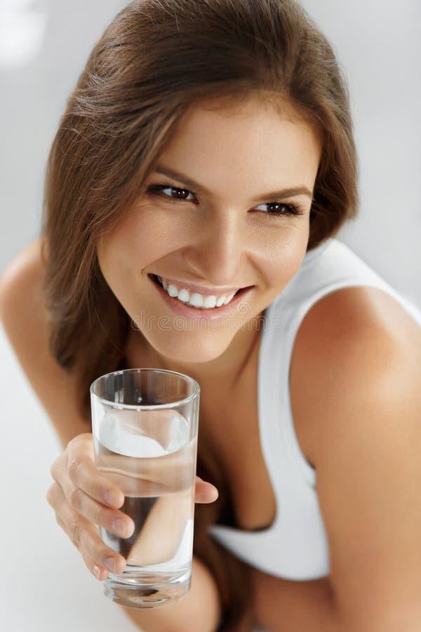 Stile di vita sano, mangiante Riciclaggio dei 04 bevande Salute, immagini stock