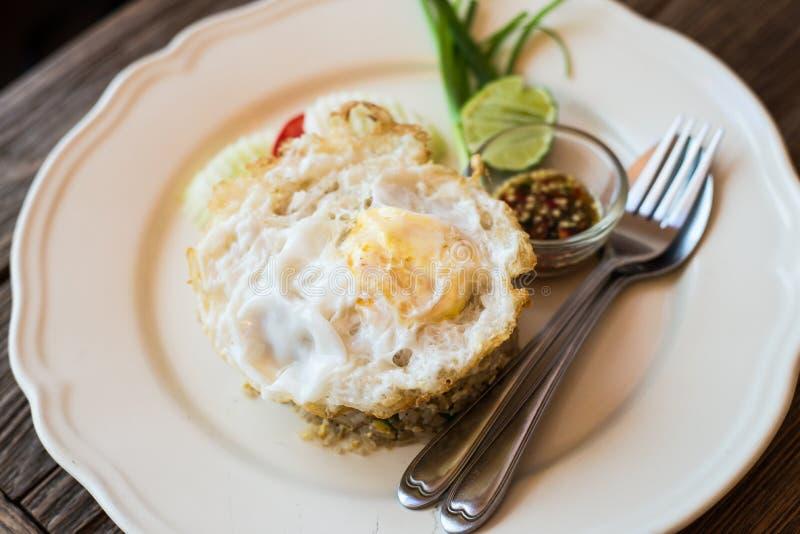 Stile tailandese del riso fritto fotografie stock libere da diritti