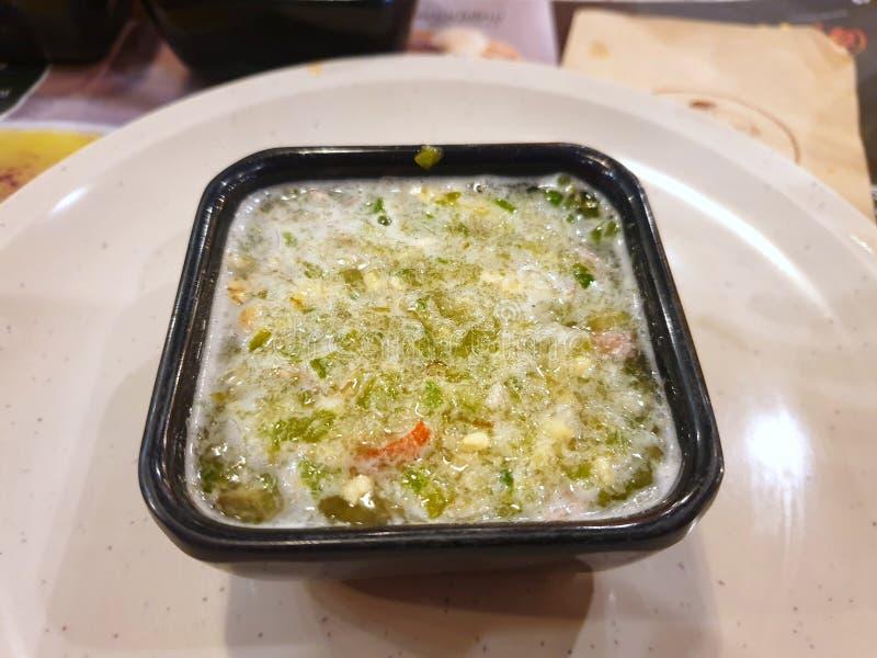 Stile tailandese dell'alimento, vista superiore della salsa di immersione piccante dei frutti di mare immagini stock