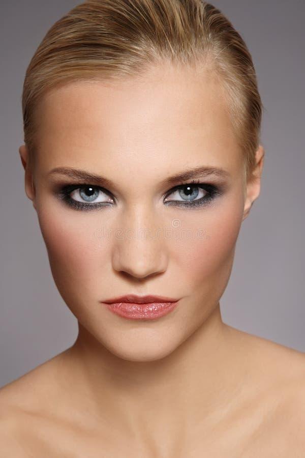 stilfull blondin royaltyfri bild
