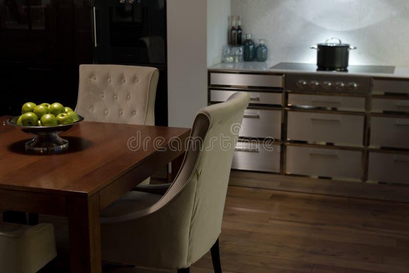 Stilfull elegant kökmatställe royaltyfri fotografi