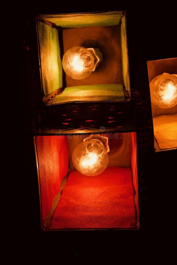 Stilfulla inre ljus med ljus skugga anmärker fotoet arkivbild
