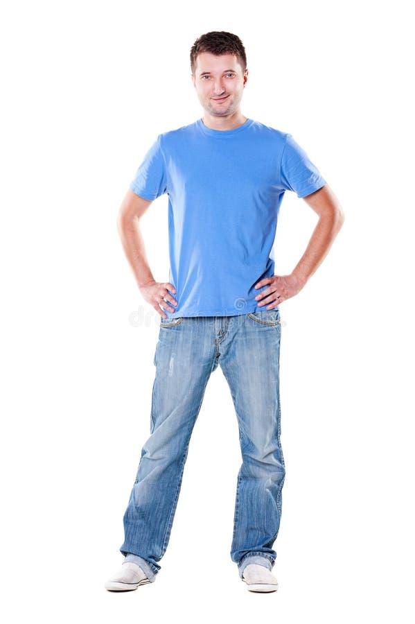 Stilig man i blå t-shirt royaltyfria foton