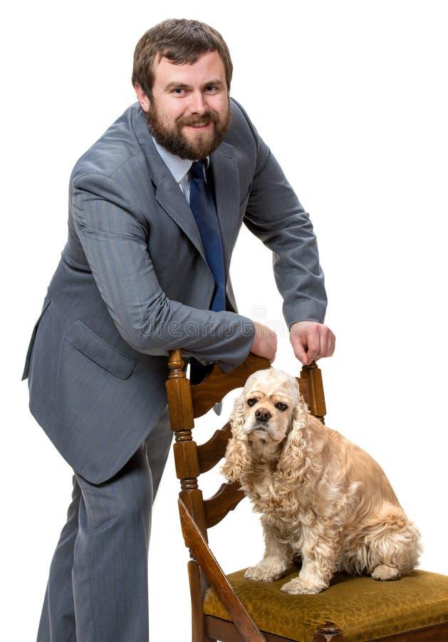 Stilig man med en hund royaltyfri bild