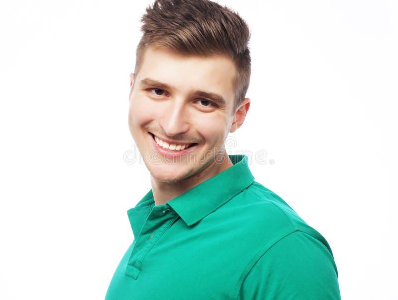 Stilig t-skjorta för manblankogräsplan royaltyfria bilder