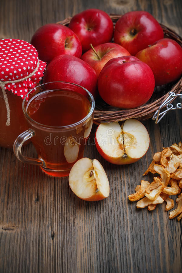 Free Still Life Of Apple Royalty Free Stock Photography - 34982857