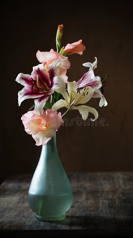 Free Still Life With Summer Flowers In Vase On Dark Background Royalty Free Stock Photo - 160026605