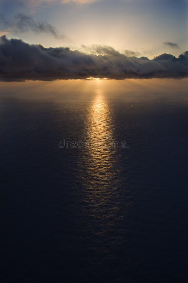 Stillahavs- solnedgång för hav arkivfoto
