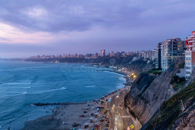 Stillahavskusten av Miraflores i Lima, Peru royaltyfria foton