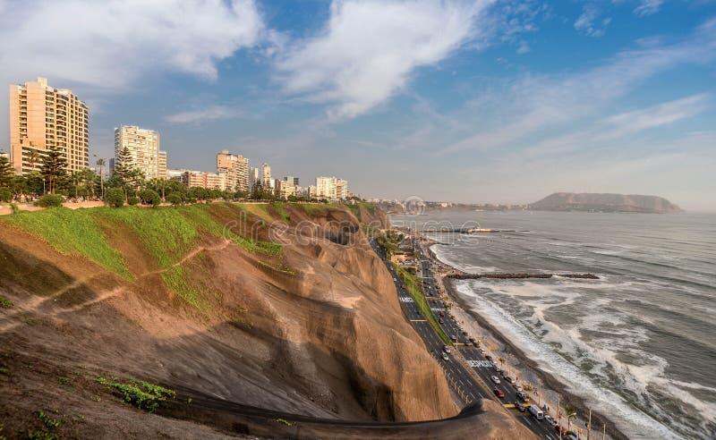 Stillahavskusten av Miraflores i Lima, Peru royaltyfri bild