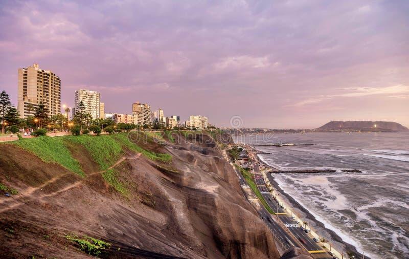 Stillahavskusten av Miraflores i Lima, Peru arkivbilder