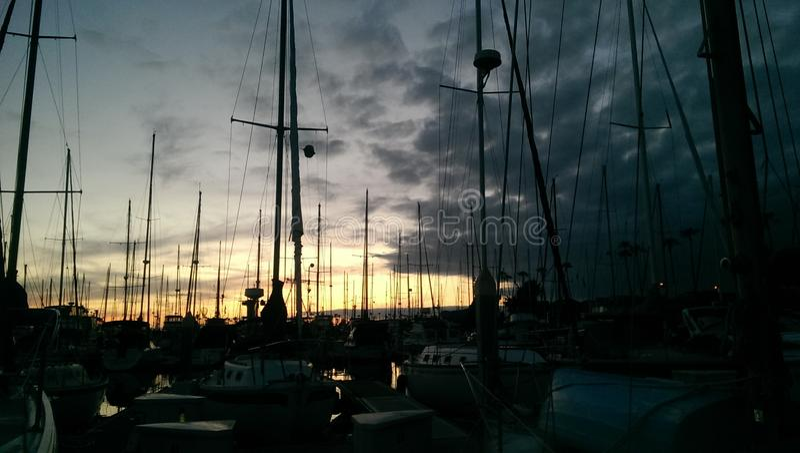 Stillahavskusten Susnet fr?n Ventura Harbor fotografering för bildbyråer
