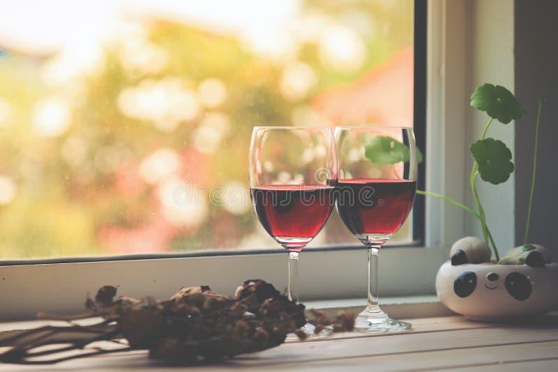 Stilleben av vinexponeringsglas royaltyfri fotografi