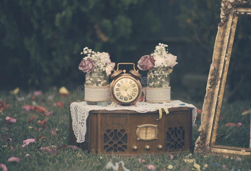 Stilleben för tappningbröllopgarnering arkivfoton