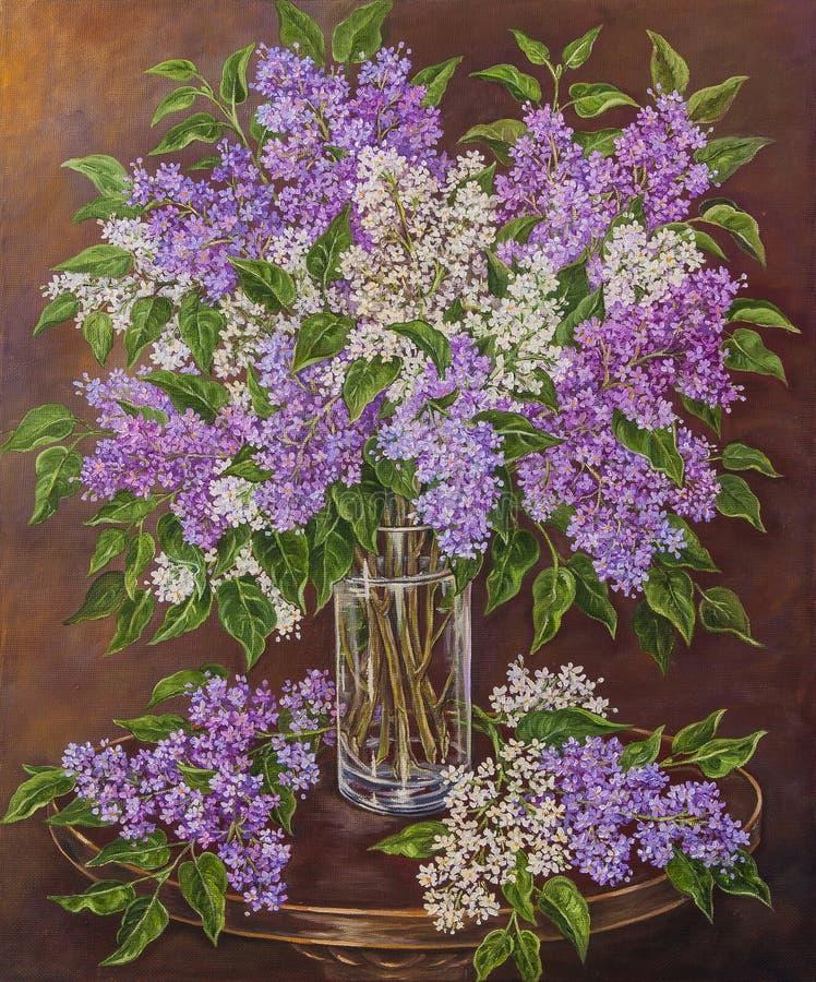 Stilleben med den härliga blommande rosa, violetta, purpurfärgade och vita lilan i exponeringsglasvas på tabellen Originalolja fotografering för bildbyråer