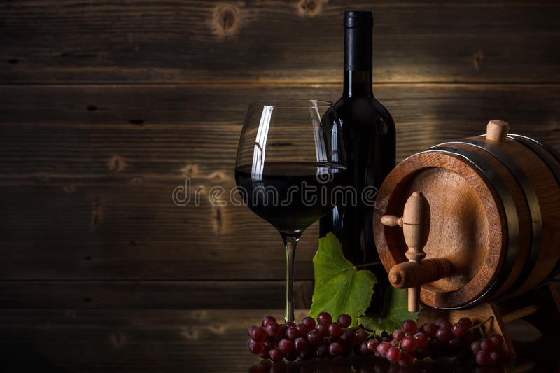Stilleben med rött vin fotografering för bildbyråer