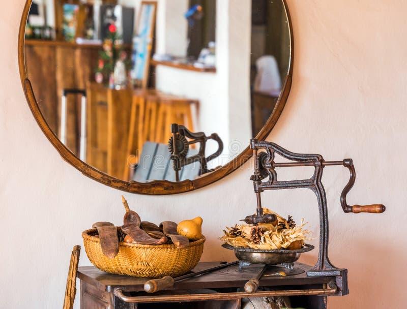 Stilleven dichtbij de spiegel, Calafate, Patagonië, Argentinië Met selectieve nadruk royalty-vrije stock foto