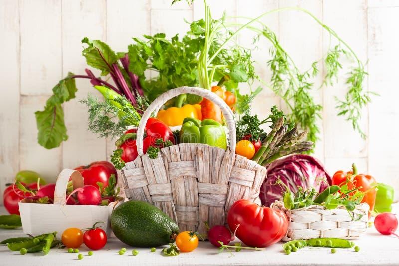 Stilleven met diverse types van verse groenten royalty-vrije stock afbeeldingen